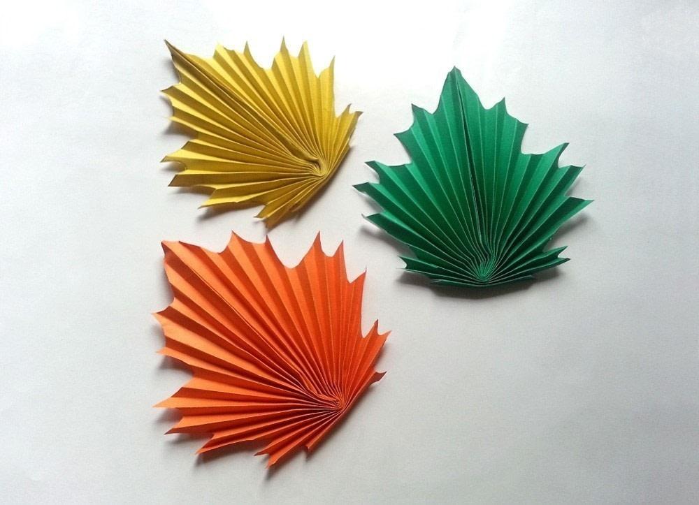 кленовый лист из цветной бумаги образец как делать пай