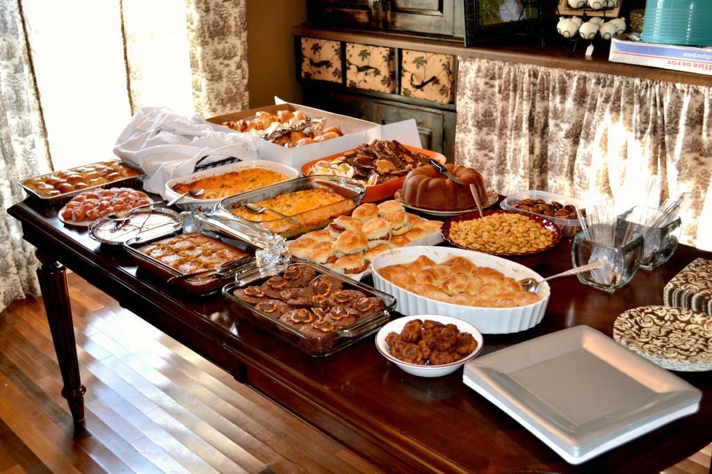 угощение для гостей
