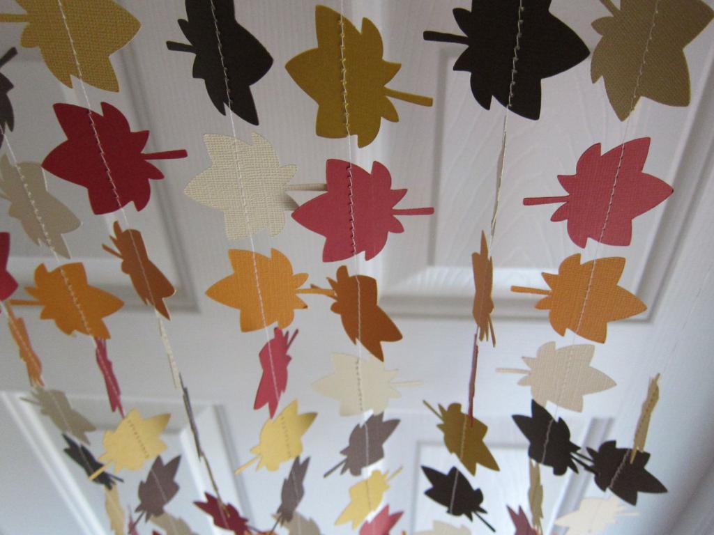 как украсить класс осенью