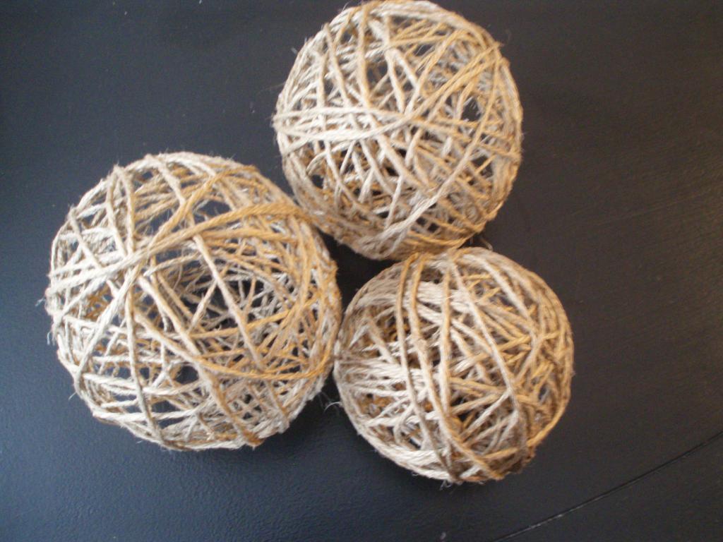Объемный шар из джута