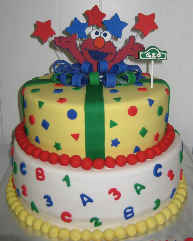 красочный торт