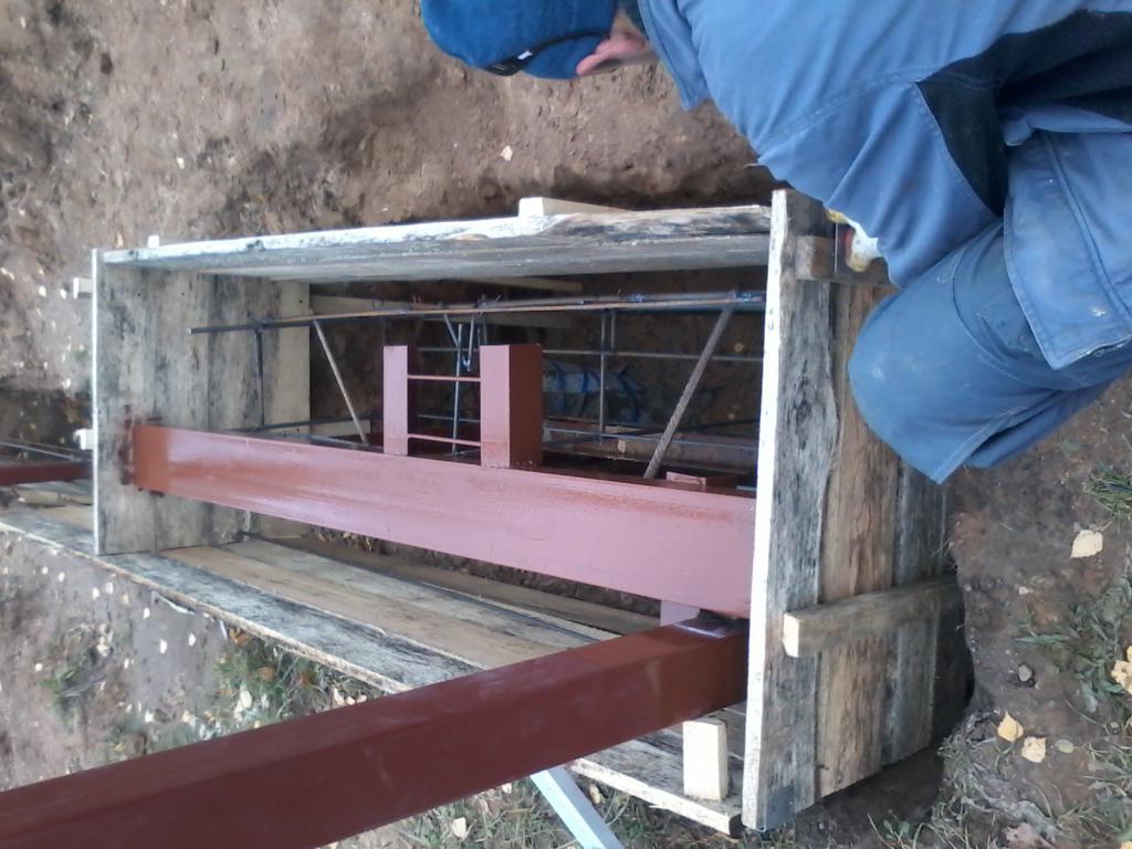 как залить фундамент для откатных ворот