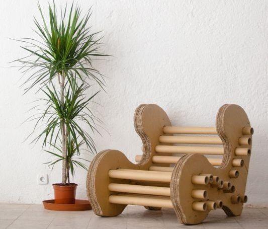 скамейка из картона и втулок